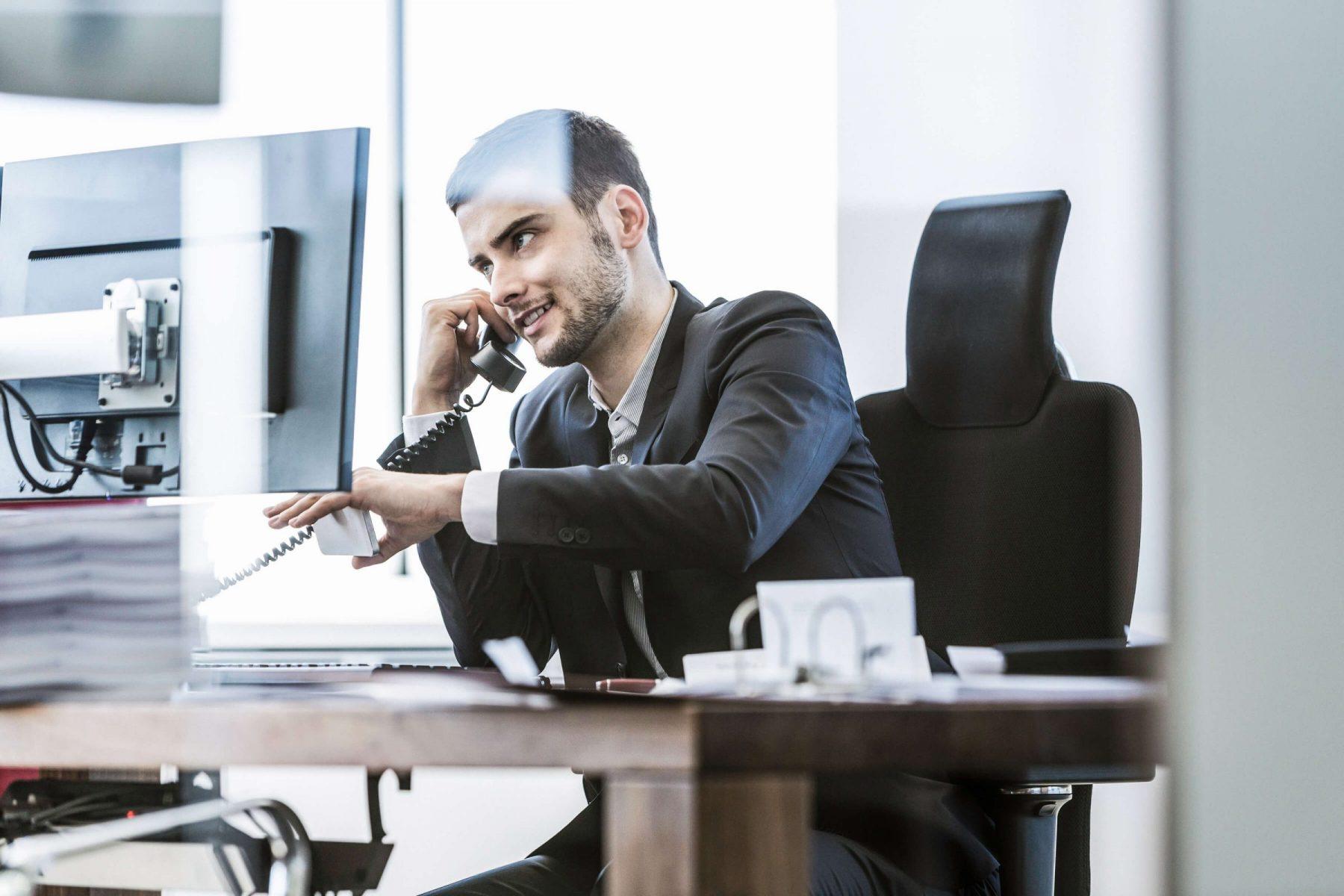 Businessman am Telefon